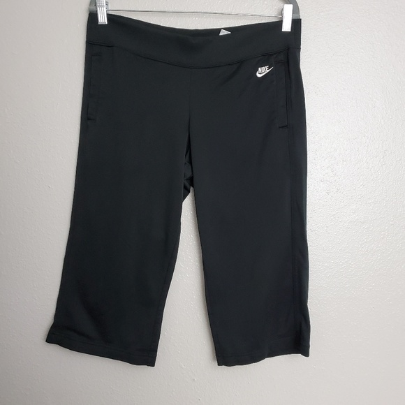 Nike Pants - Nike Black Capri Pants Size Medium Women's